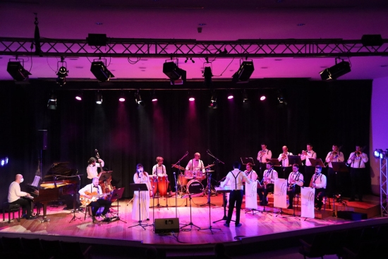 Societat Musical La Unió Filharmònica d´Amposta > Notícies > Acabem el 2020 amb música en directe
