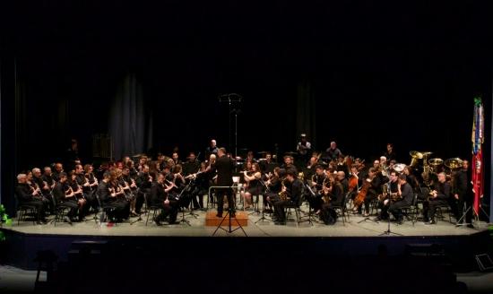 Societat Musical La Unió Filharmònica d´Amposta > Arxiu de notícies > La Banda de Música de la Fila actua a l´auditori de la Lira