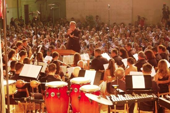 Societat Musical La Unió Filharmònica d´Amposta > Arxiu de notícies > Un gran concert per als dos grans titans musicals d'Amposta