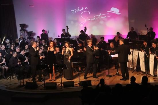 Societat Musical La Unió Filharmònica d´Amposta > Notícies > La Fila torna a entusiasmar amb l´espectacle musical Tribut a Sinatra