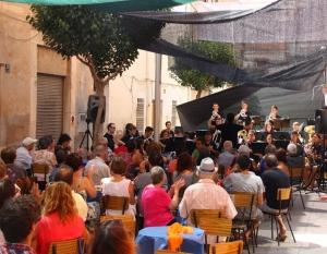 Galeria de fotos del vermut musical amb la Big Band de la Fila